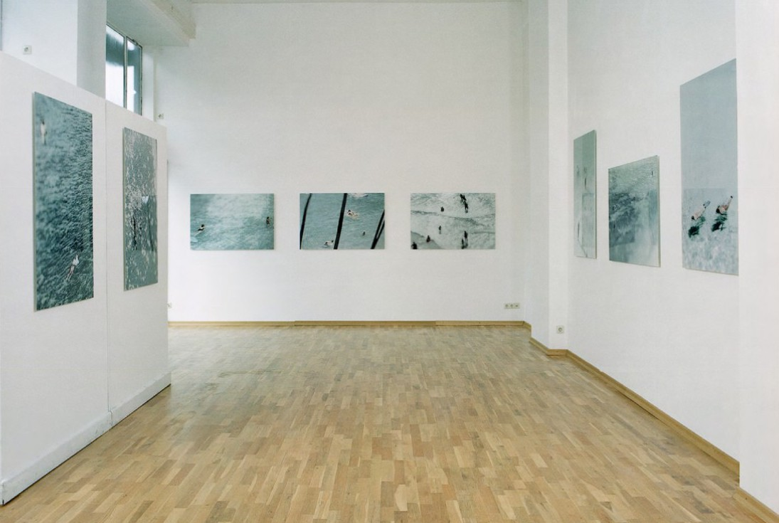 bathers installation view Gallery Poller Frankfurt 2004
