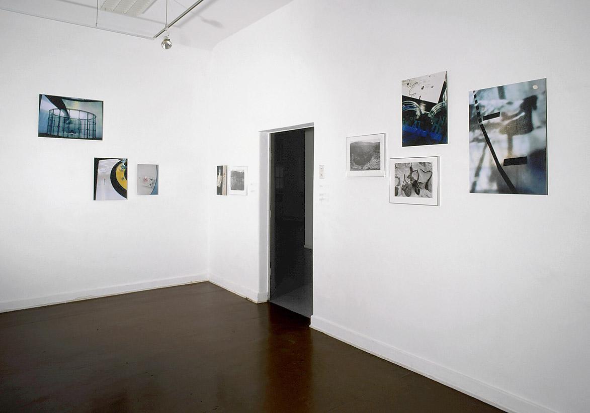 placebo installation view Kunsthaus Essen 2000